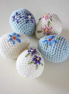 Pretty_amigurumi_easter_eggs