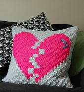 Broken_heart_corner_to_corner_crochet