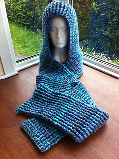 One Skein Knitting Pattern : Ravelry: Chunky Ribbed Scoodie pattern by Zoe Deterding