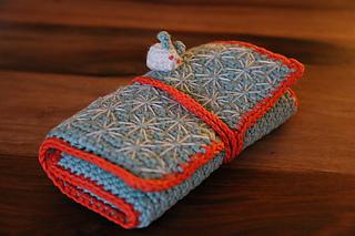 Bunny_crochet_hook_case_doreen_small2