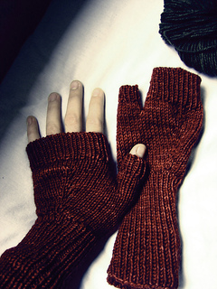 Fingerless-gloves-cold-turkey-02_small2