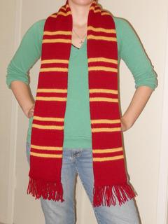 Gryffindor_scarf_2_small2
