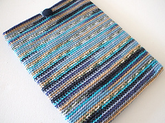 Marinke-slump_crochet-tablet-sleeve_final-image2_small