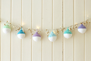 600px-wink-crochet-christmas-ornaments-finished1-fullsize_small2