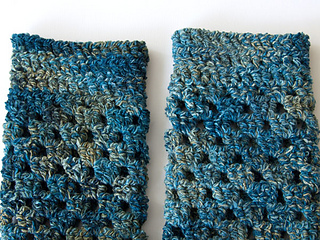 Wink-crochet-pair-legwarmers-finished1_small2