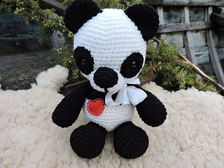 Amigurumi Oso Panda Patron : Ravelry the panda bear amigurumi pattern by kipre pähkla
