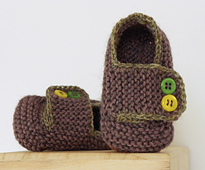 Schoolboy_baby_booties_wool_small_best_fit