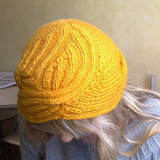 Wrapped_hat_geel5_small2