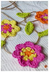 Pink_flower_garland_small_best_fit