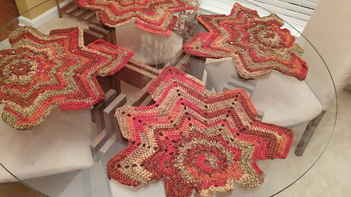 Ravelry Chestnut Leaf Table Runner And Placemats Pattern