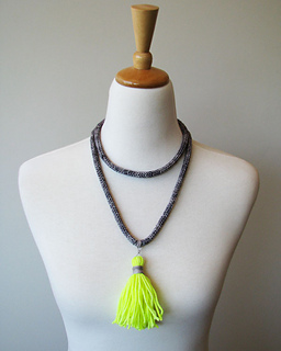 Necklace_tassel_neon_small2