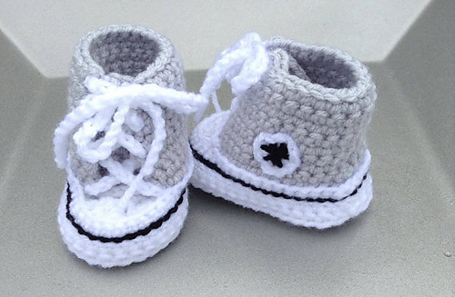 Ravelry: Booties, Baby Converse, High Tops pattern by HookN Yarn ...