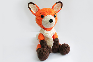 Fox_sit_03_small2