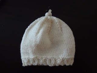 1352a25adb3 Ravelry  Hugs   Kisses Preemie Hat pattern by Knitting for Sanity