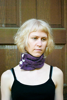 Cabled_cowl_1_small2