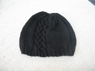 Cabled_beanie_with_bow_small2
