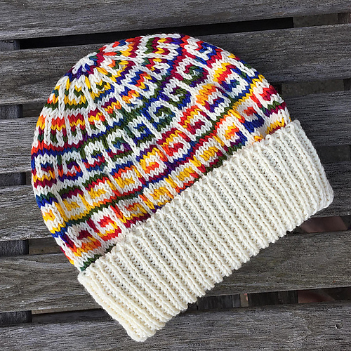 Colorful slip stitch beanie with mosaic knitting pattern and ribbing
