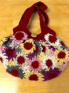 Flower Purse pattern by Meladoras Creations