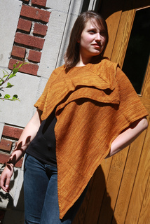 Gold_tri_shawl_sam1_small2