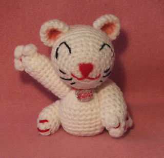 Lucky_cat_front_small2