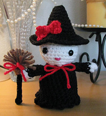 Hk_witch_front_small