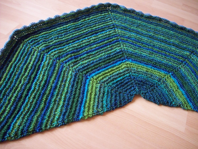 Ravelry: Halfmoon/Halbmond pattern by Astrid Krämer
