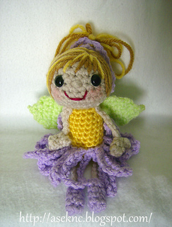 2010-08-05-flowerfairy-lavenderblonde-a_small2