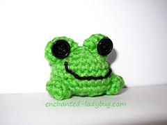 Crochet-frog-w_small