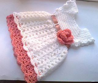 2ac4ef396 Pretty crochet baby dress pattern by Andree Tünde