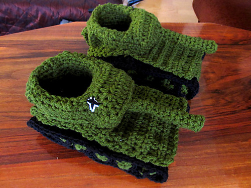 Ravelry Tank Slippers Pattern By Andree Tnde