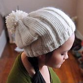 Simple_slouchy_hat_with_pom_small_best_fit