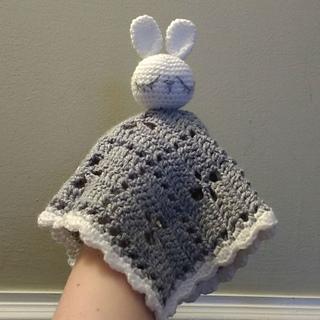 White_bunny_folded_small_small2