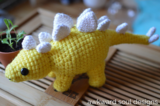 Stegosaurus_amigurumi_by_awkward_soul_designs__2__small2