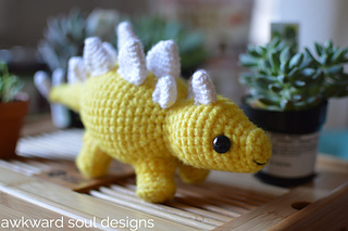Stegosaurus_amigurumi_by_awkward_soul_designs__6__small2