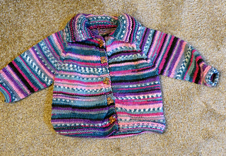 New_baby_sweater_lz_small2