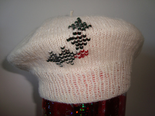 Holly_beret_upright_small2