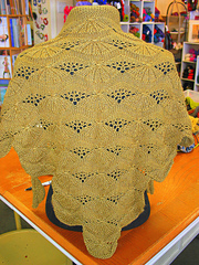 Lemon_wedge_shawl_small