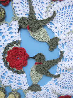 Hummingbird_doily_2_small2
