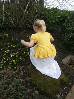 Beth_daffodil_cardigan_crouching_by_mini_daffodils_small2
