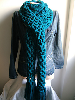 Giant_honeycombe_scarf_small2