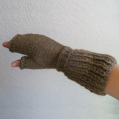 Sc43_rustic_rib_fingerless_mittens_small