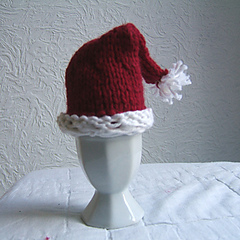 Sc50_santa_hat_egg_cosy_small