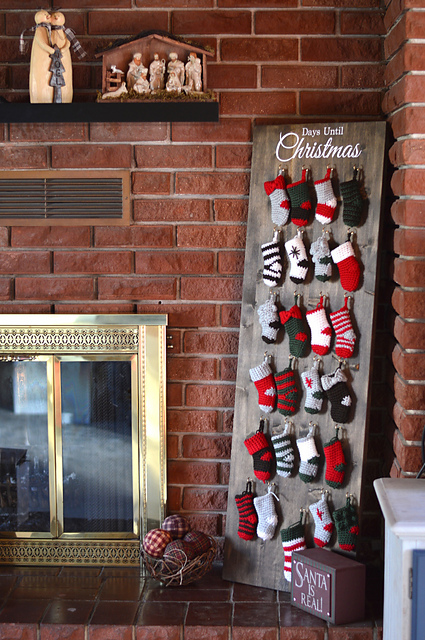 Ravelry Mini Stocking Advent Calendar Cal Pattern By Bethany Dearden