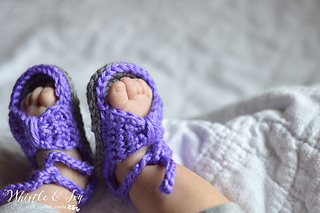 00d49a39c Ravelry  Bitty Bow Baby Sandals pattern by Bethany Dearden