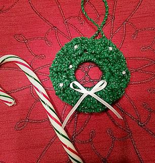 Ravelry Christmas Wreath Ornament Pattern By B Hooked Crochet