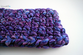 Finger_crochet_cowl_featured_image_2_small2