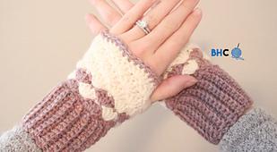 Shell_stitch_crochet_wrist_warmers_small_best_fit