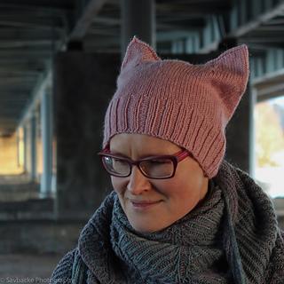 Catwoman-returns-hat-katrine-birkenwasser-4_small2