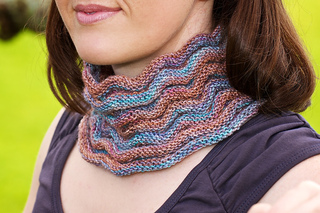 Scarf_cowl_neck_small2