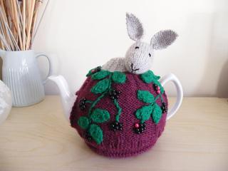 Rabbit_in_brambles_tea_cosy__5__small2